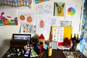 Artist kid's desk