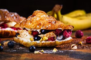 Croissants with cream cheese and berries