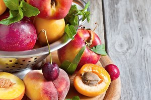 Appricots, nectarines and peaches