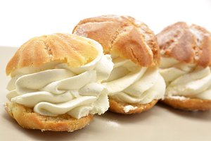 Fresh Cream Puffs