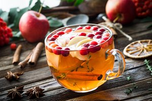 Apple cranberry tea