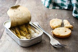 Sardines can preserve