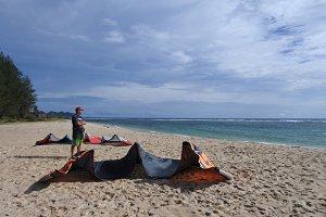 Kitesurfer scouting