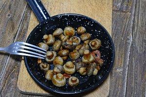Garlic mushrooms.