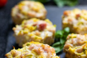 muffin with meat and vegetables
