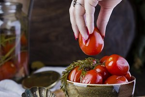 juicy marinated tomatoes with spices