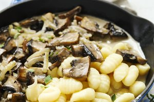 Potato gnocchi with mushroom