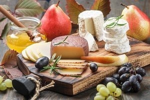 cheese with fruit and honey