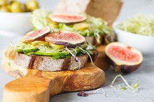vegan sandwiches.