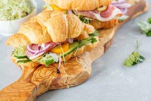 croissant sandwich with ham