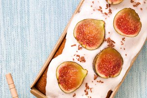 Delicious fig cake and honey