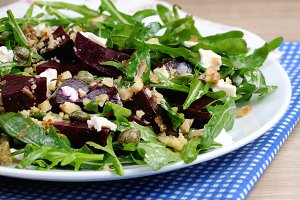 Salad of beets, arugula and feta