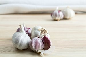 Composition of purple garlic