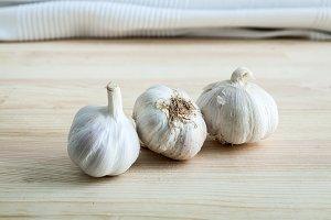 Composition of purple garlic