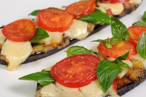 Baked eggplant with tomato