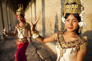 Cambodian traditional dancers