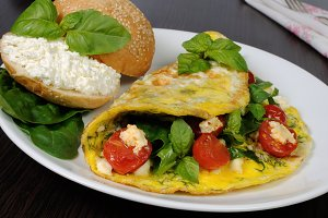 Omelet with spinach