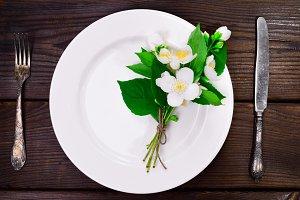 empty white round plate