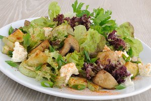 Salad with mushrooms
