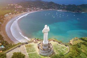 Tourist tour for jesus christ statue