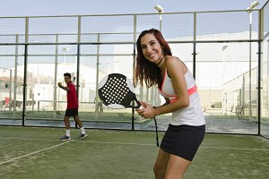 Paddle tennis game
