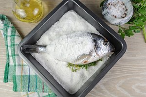 Sea bream (Dorado) baked
