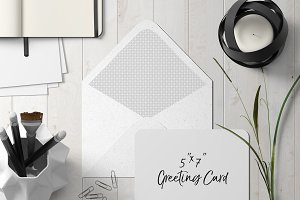 7x5 Greeting Card Mockup - 1