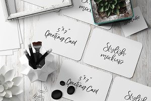 7x5 Greeting Card Mockup - 6