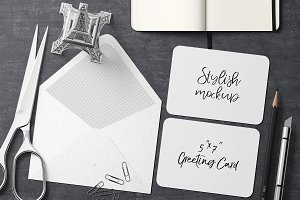 7x5 Greeting Card Mockup - 7