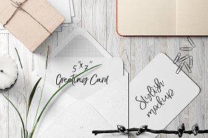 7x5 Greeting Card Mockup - 8