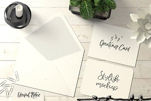 7x5 Greeting Card Mockup - 21