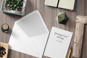 5X7 Greeting Card Mockup - 3