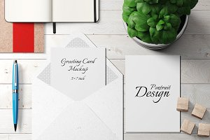 5X7 Greeting Card Mockup - 4