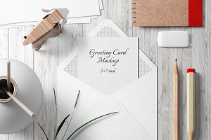 5X7 Greeting Card Mockup - 9