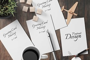 5X7 Greeting Card Mockup - 12