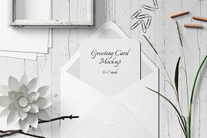5X7 Greeting Card Mockup - 13