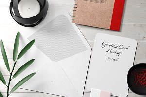 5X7 Greeting Card Mockup - 15