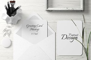 5X7 Greeting Card Mockup - 16