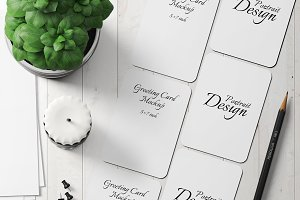 5X7 Greeting Card Mockup - 20