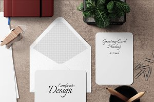 5X7 Greeting Card Mockup - 24