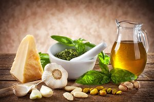 Sicilian pesto ingredients
