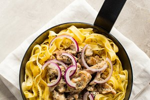 Tagliatelle pasta with chicken