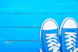 sport textile blue sneakers