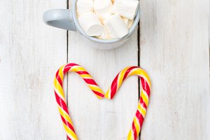 Hot chocolate & candy cane. Vertical