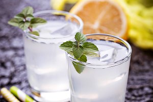 Cold drink with lemon and mint