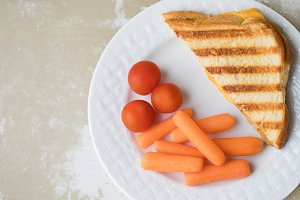 Cheese Sandwich w/ Carrots
