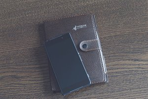 Notebook with a smartphone 8