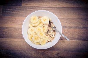 muesli with bananas