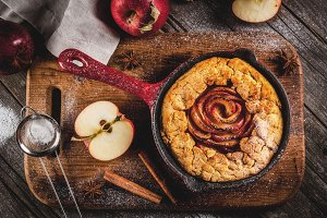 Wholegrain apple galette pie