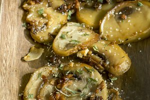 mushrooms with crispy garlic, sautee